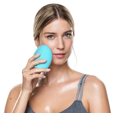 LUNA 2 Face Brush and Anti-Aging Massager for Oily Skin